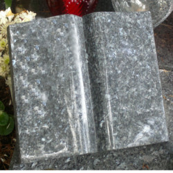 książka z kamienia