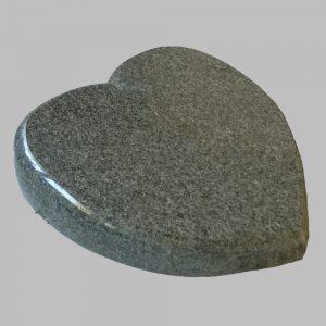 zdjęcie serce z kamienia
